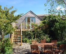 Snaptrip - Last minute cottages - Exquisite Edmonton Cottage S34524 -