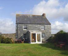 Snaptrip - Last minute cottages - Luxury Mawgan Porth Cottage S34559 -