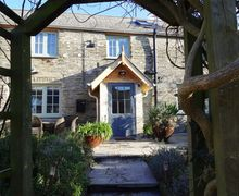 Snaptrip - Last minute cottages - Beautiful Penrose Cottage S34560 -