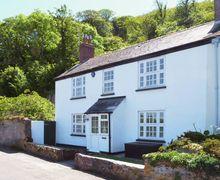 Snaptrip - Last minute cottages - Tasteful Millbrook Cottage S34629 -