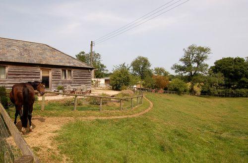 Captivating Rockbourne Cottage S34704