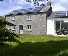 Snaptrip - Last minute cottages - Captivating Rinsey Cove Cottage S34739 -