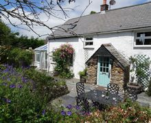 Snaptrip - Last minute cottages - Quaint St Issey Cottage S37209 -