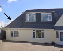 Snaptrip - Last minute cottages - Captivating Exmouth Apartment S44941 -