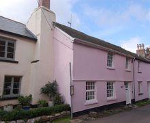 Snaptrip - Last minute cottages - Tasteful Combeinteignhead Cottage S69666 -