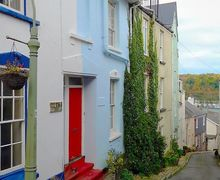 Snaptrip - Last minute cottages - Wonderful Dartmouth Cottage S77206 -