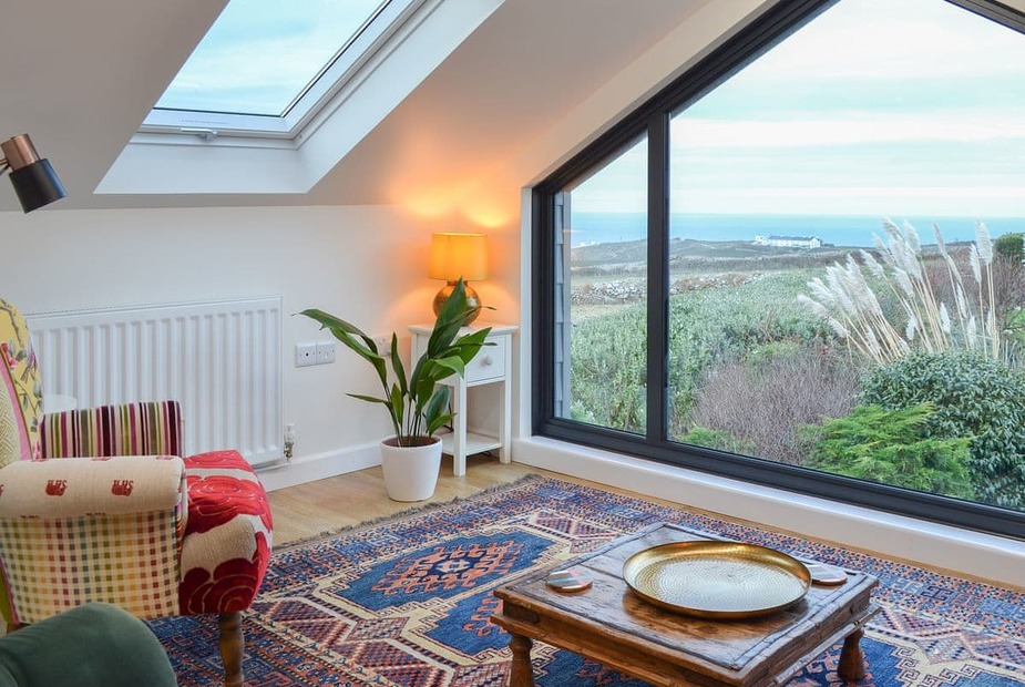 First floor sitting room with stunning sea views   Mini Barn, Pendeen - Mini Barn