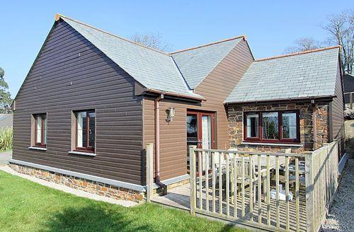 Snaptrip - Last minute cottages - Tasteful Par Lodge S1580 - Bay View Lodge