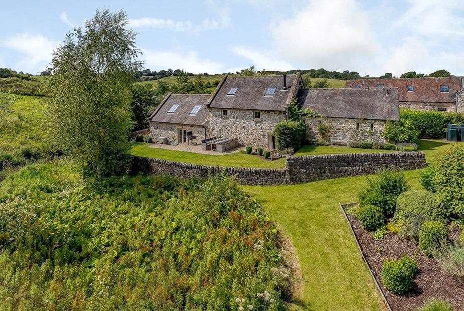 Stunning Grade II listed, detached stone barn conversion  | Waterside Barn, Bradbourne, near Ashbourne - Waterside Barn