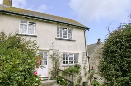 Snaptrip - Last minute cottages - Inviting Combe Martin Cottage S19077 -