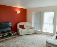 Snaptrip - Last minute cottages - Tasteful Thurso Apartment S84000 -