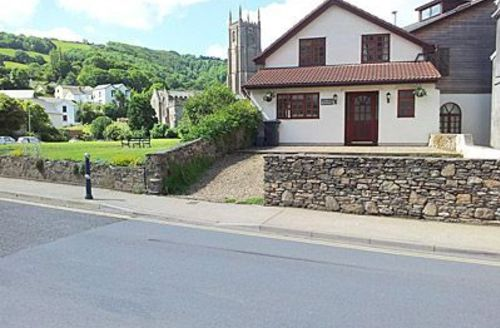 Snaptrip - Last minute cottages - Luxury Combe Martin Cottage S19081 -
