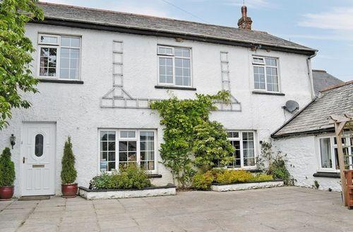 Snaptrip - Last minute cottages - Quaint Hartland Cottage S19095 -