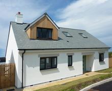 Snaptrip - Last minute cottages - Tasteful Porthtowan Cottage S84145 -