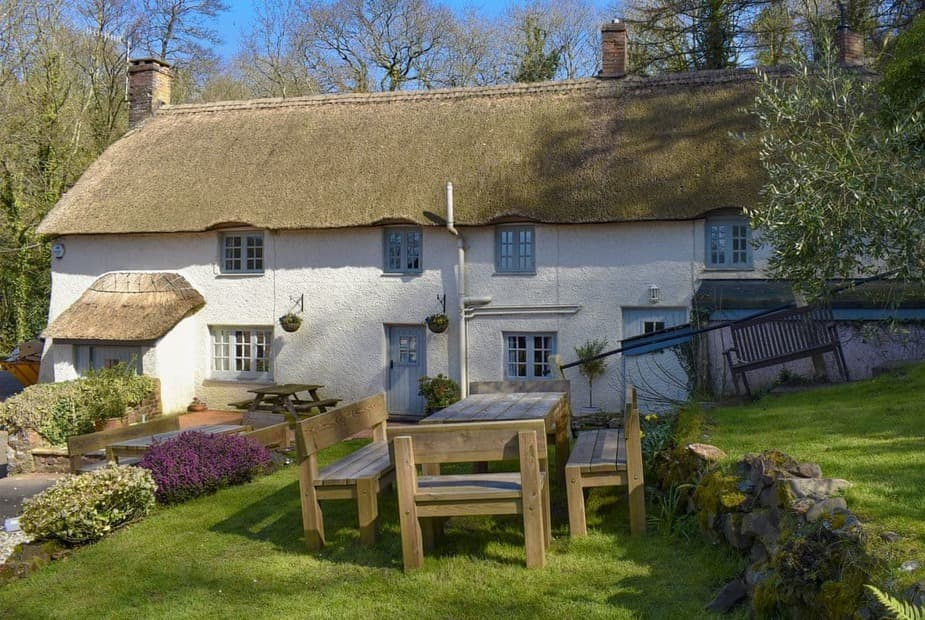 A gorgeous thatched holiday home | Hind Cottage, Triscombe, near Taunton - Hind Cottage