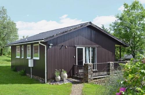 Snaptrip - Last minute cottages - Beautiful Hartland Lodge S19128 -