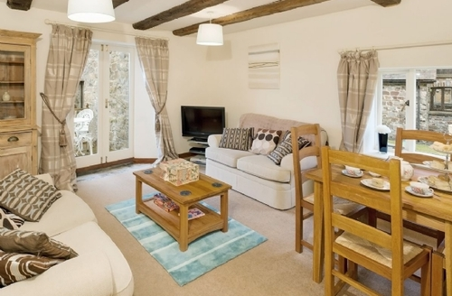 Snaptrip - Last minute cottages - Delightful Hartland Cottage S19148 -