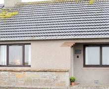 Snaptrip - Last minute cottages - Beautiful Wick Cottage S84669 -