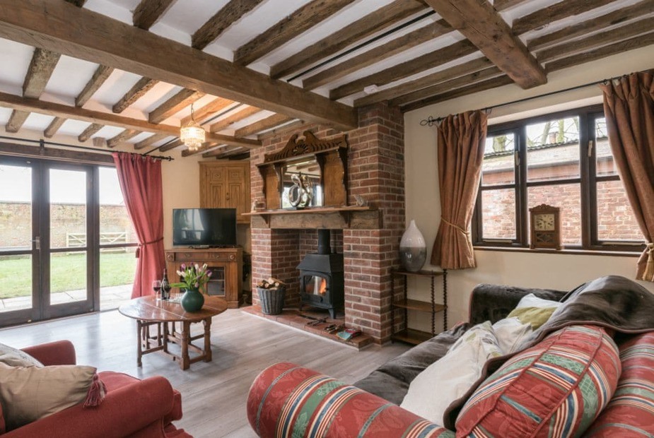 Stylishly furnished living room | The Old Hall Coach House, Tacolneston, near Wymondham  - The Old Hall Coach House