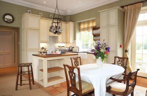 Cosy Bruern Cottage S84818