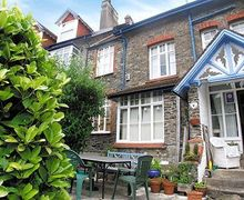 Snaptrip - Last minute cottages - Cosy Lynton Apartment S19195 -