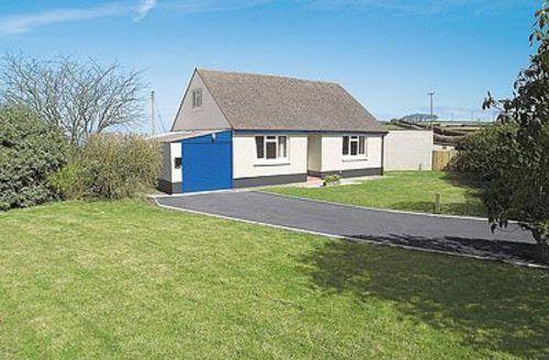 Snaptrip - Last minute cottages - Excellent Lynton Cottage S19196 -