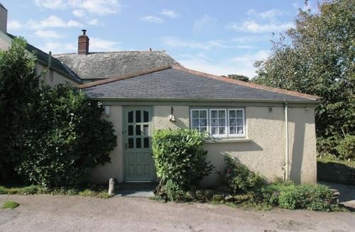 Snaptrip - Last minute cottages - Adorable Lynton Cottage S19205 -