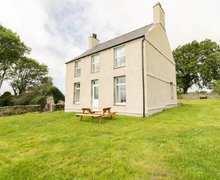 Snaptrip - Last minute cottages - Charming Pentre Berw Cottage S84923 -