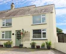 Snaptrip - Last minute cottages - Attractive Llansaint Cottage S84938 -