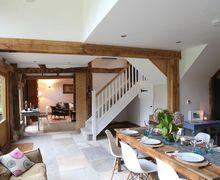 Snaptrip - Last minute cottages - Quaint High Hurstwood Cottage S85117 -