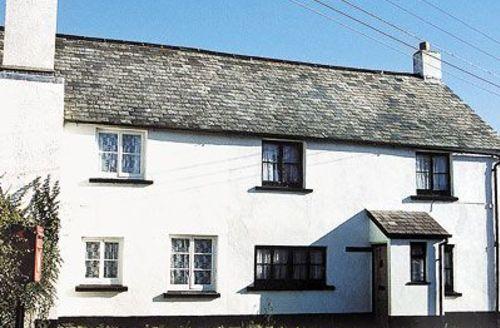 Snaptrip - Last minute cottages - Attractive Torrington Cottage S19232 -
