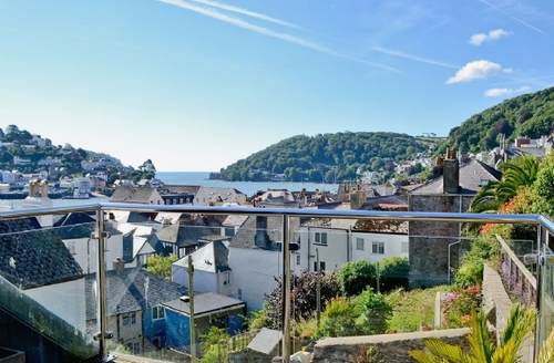 Snaptrip - Last minute cottages - Quaint Dartmouth Cottage S19296 -