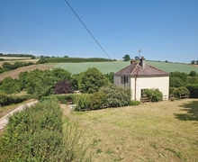 Snaptrip - Last minute cottages - Adorable Dawlish Cottage S19308 -