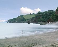 Snaptrip - Last minute cottages - Wonderful Dawlish Apartment S19311 -
