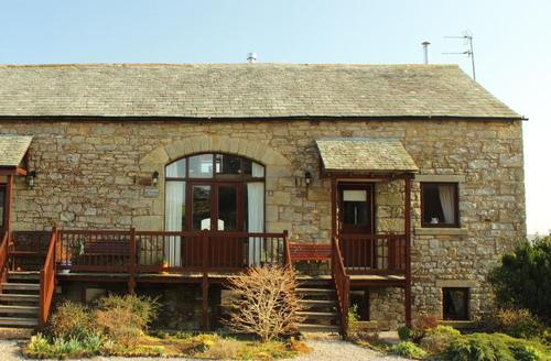Snaptrip - Last minute cottages - Wonderful Penrith Barn S1605 - 2 Sycamore Barn (Left of Picture)