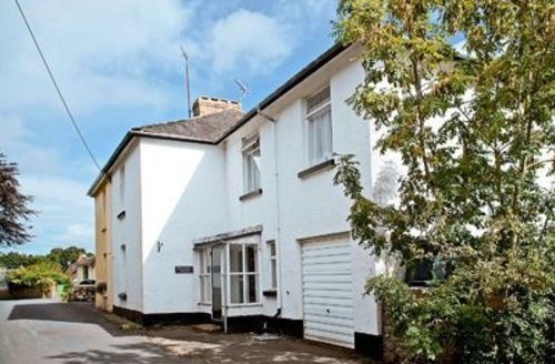 Snaptrip - Last minute cottages - Splendid Newton Abbot Cottage S19363 -
