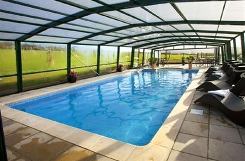 Snaptrip - Last minute cottages - Delightful Cullompton Pool S1609 - The private indoor heated pool