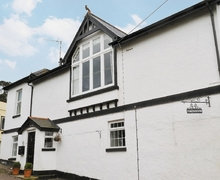 Snaptrip - Last minute cottages - Splendid Teignmouth Cottage S19427 -