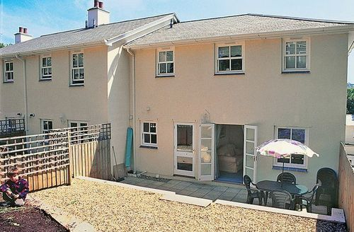 Snaptrip - Last minute cottages - Cosy Torquay Cottage S19432 -