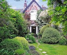 Snaptrip - Last minute cottages - Lovely Torquay Cottage S19433 -