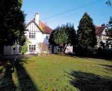 Snaptrip - Last minute cottages - Wonderful Torquay Apartment S19447 -