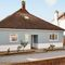 Snaptrip - Last minute cottages - Gorgeous East Wittering Cottage S87080 - Marine House - West Wittering, West Sussex