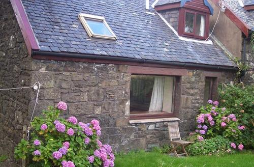Snaptrip - Last minute cottages - Wonderful Acharacle Byre S1627 -