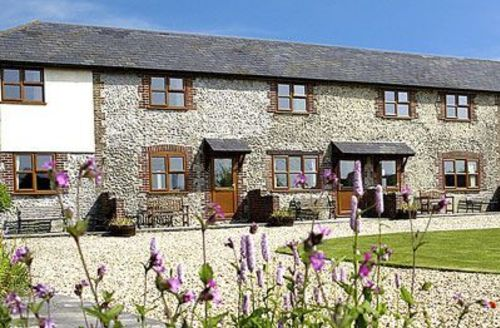 Snaptrip - Last minute cottages - Inviting Beaminster Cottage S19609 -