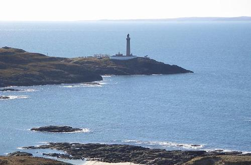 Snaptrip - Last minute cottages - Attractive Acharacle Lighthouse S1629 -