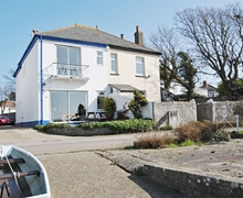 Snaptrip - Holiday cottages - Exquisite Bournemouth Cottage S19663 -