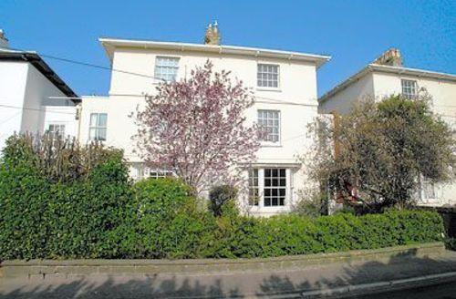 Snaptrip - Last minute cottages - Wonderful Bridport Apartment S19691 -