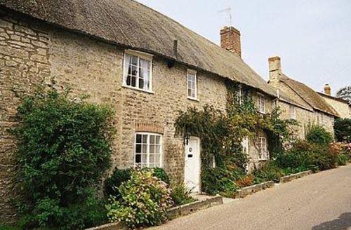 Snaptrip - Last minute cottages - Quaint Bridport Cottage S19694 -