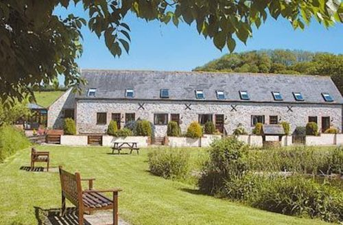 Snaptrip - Last minute cottages - Charming Lyme Regis Cottage S19800 -