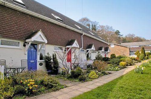 Snaptrip - Last minute cottages - Tasteful Lyme Regis Cottage S19804 -